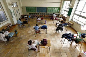 Gobierno analiza retorno gradual a clases desde mayo