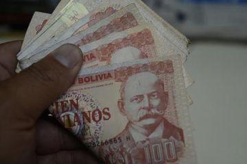 Gobierno invierte más de Bs 3.000 millones en tres bonos por el COVID-19