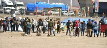 Bolivia y Chile acuerdan implementar espacios de cuarentena para 1.600 compatriotas