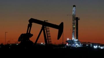 El precio del petróleo WTI se recupera hasta $us 10, a un día de su desplome histórico