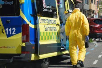 Las muertes por COVID bajan a 367, la menor cifra desde hace más de un mes en España