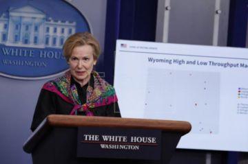 Experta de la Casa Blanca afirma que el distanciamiento social seguirá