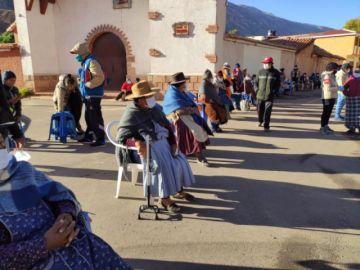 Bonos de ayuda gubernamental llegaron a Tarapaya