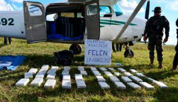 Encuentran avioneta con más de 400 kilos de droga en hacienda de Beni