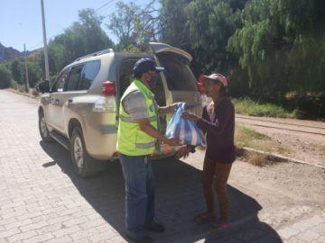 ABC lleva ayuda a familias cercanas a la vía Potosí – Challapata y el barrio Jesús Valle