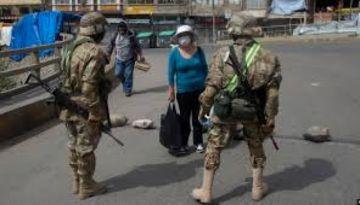 Gobierno determina el ascenso extraordinario y un seguro para soldados desplegados ante el COVID-19