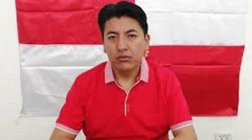 Marco Pumari rechaza la ley que fija elecciones en 90 días y exige su abrogación