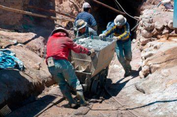 Mineros potosinos se preparan para volver a las galerías