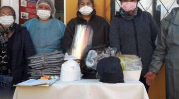 Enfermeras de El Alto usan bolsas plásticas y hacen colectas para fumigar centros de salud