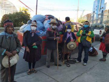 Ancianos abandonados en La Paz son llevados a Llallagua