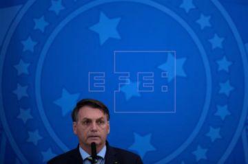 Bolsonaro asiste a acto contra Congreso y Supremo y dice que llegó al límite