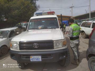 Detienen a chófer de ambulancia ebrio
