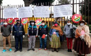 Microempresarios protestan y avisan que no podrán pagar créditos desde junio