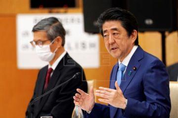 """Japón extiende alerta sanitaria y se prepara para un """"nuevo estilo de vida"""""""