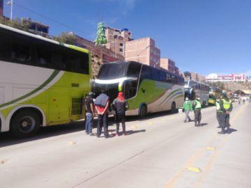 Viajeros a La Paz y a Oruro se alistan para partir a sus lugares