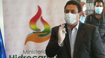 Gobierno posesiona al nuevo presidente de YPFB tras denuncias de irregularidades