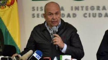 Campesinos de La Paz exigen la renuncia del ministro Arturo Murillo