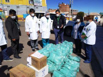 Gerente de la CNS entrega insumos a la regional Potosí