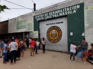 Familias desesperadas piden atención médica urgente para internos enfermos de Pamasola