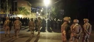 Cochabamba: afines al MAS rompieron la cuarentena y se enfrentan a militares y policías
