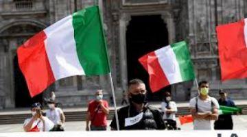 Italia permitirá a las regiones adelantar aperturas tras bajar los contagios