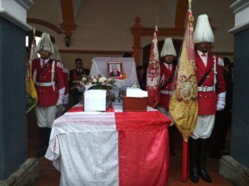El Potosí muestra cómo fueron exhumados los restos de Carlos Medinaceli