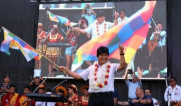 Denuncian que la gestión de Evo Morales contrató tres radios en Argentina con dinero estatal