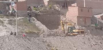 Reportan trabajos con maquinaria pesada en la zona baja