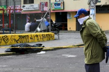 Ecuador reporta 2.736 muertos y 33.182 contagiados por coronavirus