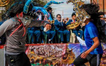 Oruro: suspenden y procesan a funcionaria que organizó celebración por el Carnaval