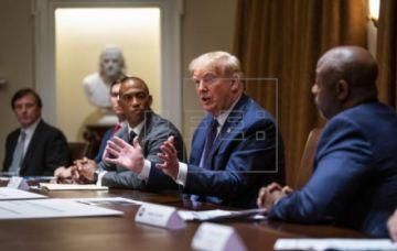 Las claves de la nueva polémica de Trump: un perro, ropa sucia, armas y Riad