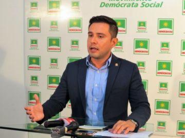 Serrano renuncia al cargo de viceministro de Autonomías