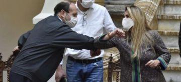 Mesa, Camacho y Evo lanzan críticas y ataques al Gobierno de Áñez