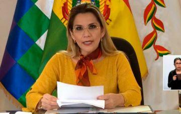 """Añez anuncia auditoría a compras en salud y advierte que """"no le temblará la mano"""" contra corruptos"""