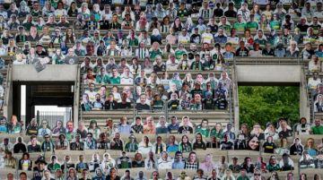 Borussia Moenchengladbach colocará hinchas de cartón en su estadio