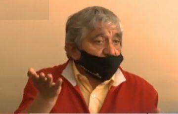 """Ministro Arias a pasajeros de minibuses: """"prohibido actos amorosos en los asientos"""""""