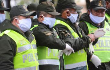 Fallece un policía en Santa Cruz por COVID-19 y otro en Beni