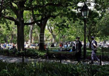 Nueva York tiene repunte en los fallecidos por COVID-19 pero apuntala su reapertura