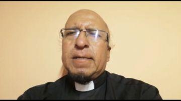 El padre Miguel Albino comparte su oración el en día de la Madre