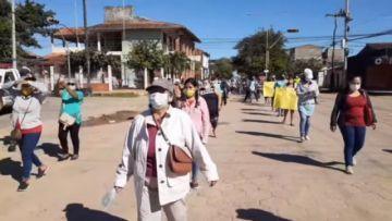 """Una vecina en Beni: """"la gente se está muriendo en los barrios"""""""