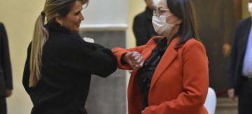 Áñez ratifica a Eydi Roca como ministra de Salud