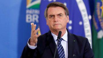 Bolsonaro quiere la reanudación del fútbol brasileño pese a la pandemia