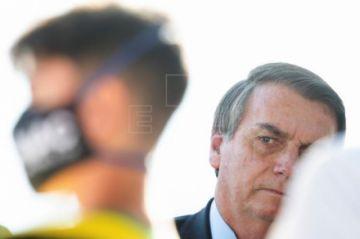 """Bolsonaro llama """"terroristas"""" y """"marginales"""" a manifestantes antifascistas"""