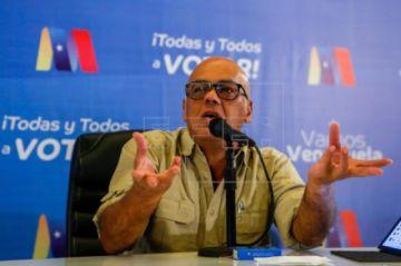 El Gobierno y la oposición firman un acuerdo para atender el COVID-19 en Venezuela