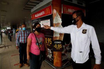 Pandemia se acelera en una Centroamérica que apresta su reapertura económica