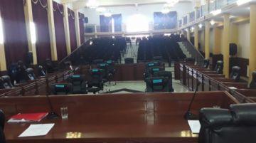 Se suspende sesión de la asamblea para ratificar al gobernador Omar Veliz