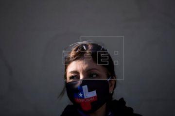 Chile registra 92 fallecidos más por COVID-19 y los contagios llegan a 122.499