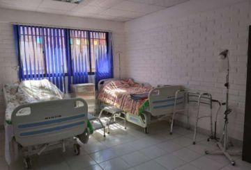 Habilitan espacio para la atención de pacientes de la tercera edad sospechosos de COVID-19 en Oruro