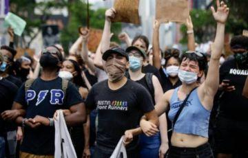 Nueva York vive un sábado con decenas de protestas tras una noche tranquila