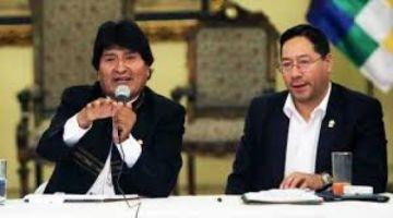 Revelan que Evo Morales hipotecó al país con $us 1.000 millones para hospitales que no se construyeron